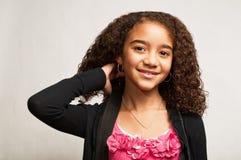 amerykanin afrykańskiego pochodzenia dziewczyny uśmiechnięci potomstwa Fotografia Royalty Free