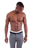 amerykanin afrykańskiego pochodzenia mężczyzna mięśniowy seksowny bez koszuli Zdjęcie Royalty Free