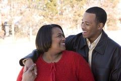 Amerykanin Afrykańskiego Pochodzenia macierzysty i jej dorosły syn Obraz Royalty Free