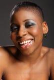 amerykanin afrykańskiego pochodzenia pięknego headshot uśmiechnięta kobieta Zdjęcia Stock
