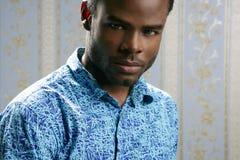amerykanin afrykańskiego pochodzenia przystojni mężczyzna portreta potomstwa zdjęcie stock
