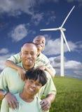 amerykanin afrykańskiego pochodzenia rodzinny szczęśliwy turbina wiatr obrazy royalty free