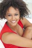 Amerykanin afrykańskiego pochodzenia szczęśliwa Mieszana Biegowa Dziewczyna Obraz Stock