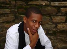 amerykanin afrykańskiego pochodzenia szczwany przyglądający męski Obraz Royalty Free