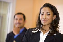 amerykanin afrykańskiego pochodzenia bizneswomanu co samiec pracownik Zdjęcie Royalty Free