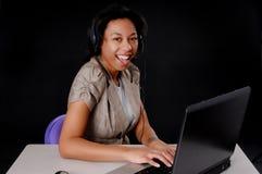 amerykanin afrykańskiego pochodzenia bizneswomanu potomstwa Obrazy Royalty Free
