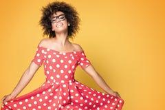 Amerykanin afrykańskiego pochodzenia dziewczyna w czerwieni sukni Obraz Stock