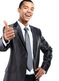 Amerykanina Afrykańskiego Pochodzenia biznesowego mężczyzna gestykulować aprobaty podpisuje dalej Zdjęcia Stock