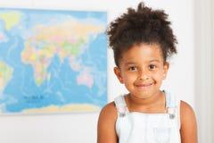 Amerykanina afrykańskiego pochodzenia preschool dziewczyna obraz royalty free