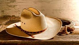 Amerykański Zachodni rodeo kowbojski kapelusz, arkan i Fotografia Stock
