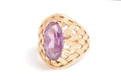amethyst золотистое кольцо Стоковая Фотография RF