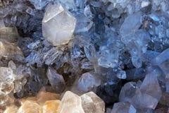 Amethyst-Kristalle in der Natur Druse-Kristalle Lizenzfreies Stockfoto