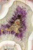 ametystowego tła krystaliczny naturalny kwarcowy rozmaitości fiołek Obrazy Royalty Free