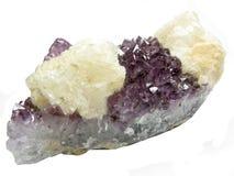 Ametystowej geody geological kryształy z kalcytem Zdjęcie Stock