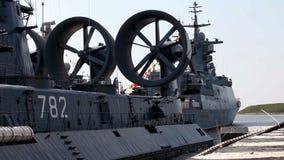 Amfibisch oorlogsschip stock video