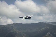Amfibiskt flygplan som kan användas till mycket Beriev BE-200Ð•,S utför royaltyfri bild
