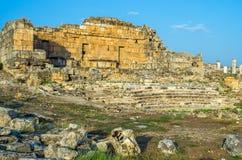 Amfiteater av Hieropolis i Pamukkale, Turkiet Royaltyfri Bild