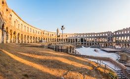 amfiteatru antycznych Croatia miejsca przeznaczenia sławnych pula rzymski turysta Fotografia Royalty Free