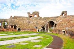 amfiteatru capua Maria Santa vetere zdjęcia stock