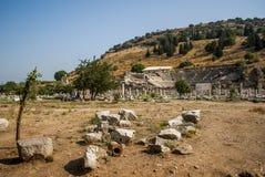 Amfitheater en ruïnes van Ephesus, Turkije Royalty-vrije Stock Afbeeldingen