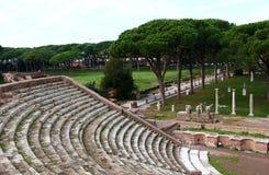 amfitheatre, Ostia Antica废墟  免版税库存图片