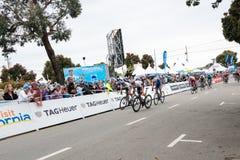 Amgen turnerar av Kalifornien Arg m?llinje f?r cyklister i den Morro fj?rden vinnarear royaltyfria bilder