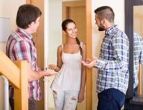 Ami de invitation de couples de famille Image libre de droits