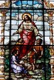 Ami de Jésus de fenêtre en verre teinté d'enfants Images libres de droits