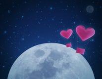 Ami l'aerostato del cuore sul cielo notturno e sulla luna di fantasia Fotografia Stock