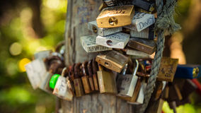 Ami le serrature fotografie stock