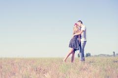 Ami, romance, futuro, vacanze estive e concetto della gente Fotografia Stock Libera da Diritti