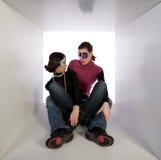 Amici che portano le mascherine di travestimento fotografie stock libere da diritti