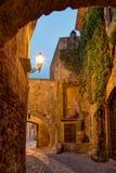 Amici, Costa Brava, Spagna: Città Vecchia medievale Immagine Stock