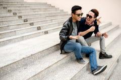 Amici di risata Fotografie Stock