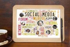 Amici sociali di media Fotografie Stock Libere da Diritti