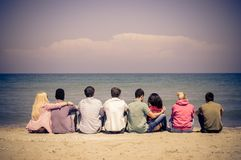Amici sulla spiaggia Fotografie Stock