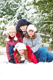 Amici in una sosta di inverno Immagini Stock Libere da Diritti