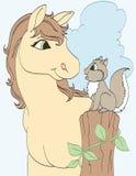 Amico dello scoiattolo e del cavallo Fotografie Stock Libere da Diritti