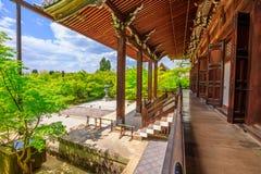 Amida-font le hall dans Eikando Images stock