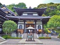 Amida-gör korridoren i den Hasedera templet fotografering för bildbyråer