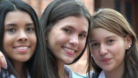 Amie de l'adolescence heureux Photo libre de droits