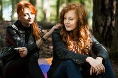 Amie rebelle de fille et de lesbienne Photographie stock