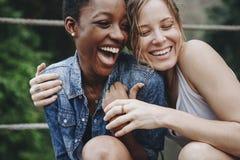 Amies ayant un grand temps ensemble Photographie stock libre de droits