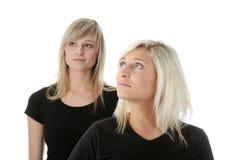 Amies de jeunes femmes. Images libres de droits