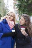 Amies et café Image stock