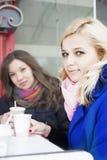 Amies et café Image libre de droits