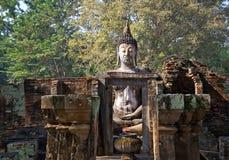 Amigo grande del sri del wat de Buda en el parque histórico de Sukhothai fotos de archivo libres de regalías