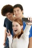 Amigos adolescentes étnicos Fotos de archivo libres de regalías
