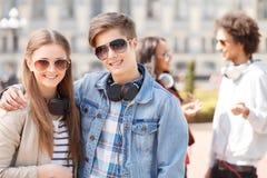 Amigos adolescentes. Foto de archivo