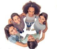Amigos adolescentes felices Fotografía de archivo libre de regalías